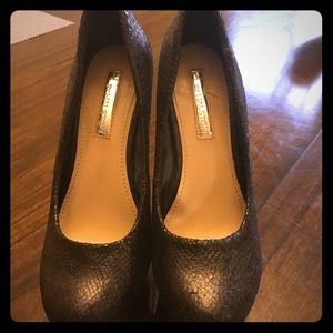 Blk H by halston wedged pumps worn once